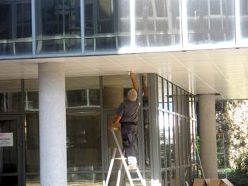 Metrasud menuiserie bois agencement menuiserie for Faux plafond exterieur